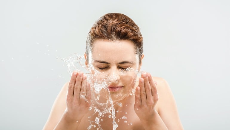 Getting smooth skin is super easy when you wash your face with salt water
