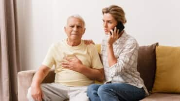 A top cardiologist reveals 10 signs that indicate your parents need a heart check-up