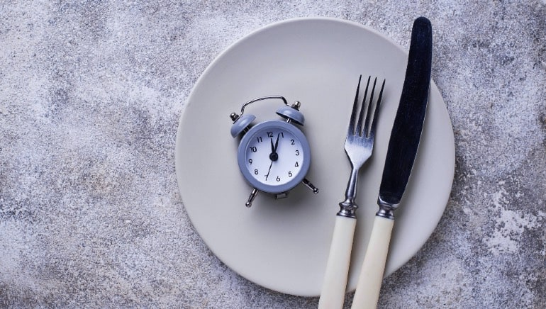 Intermittent fasting might be great for weight loss, but it also has these 6 side effects