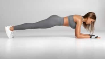 Take this 30-day plank challenge to get the strongest core and toned arms