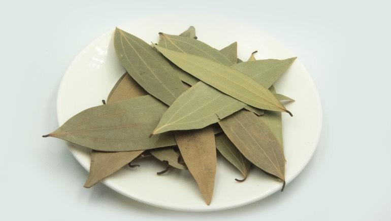 9 potential health benefits of bay leaf