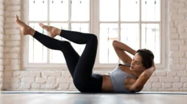 Let go of the love handles with these 3 variations of oblique crunches