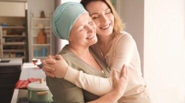जी हां, घर पर रह कर भी किया जा सकता है कैंसर का इलाज, जानिए क्या कहते हैं विशेषज्ञ
